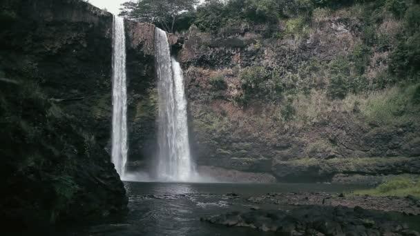 1080p, cascada en Hawai — Vídeo de stock