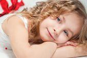 Portrait of little happy beautiful girl — Stock Photo