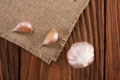 Garlic close-up on burlap  — ストック写真
