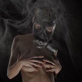 Sexy Woman wearing a Ammo Gas Mask — Stok fotoğraf