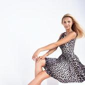 Fashionable young woman posing — Stock Photo