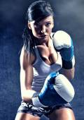 Attractive woman boxing — Stock Photo