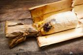 Arroz glutinoso asado en las juntas de bambú. — Foto de Stock