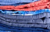 Stack jeans — Stockfoto