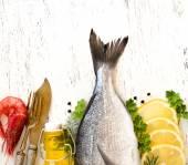 Fresh dorado fish — Stock Photo