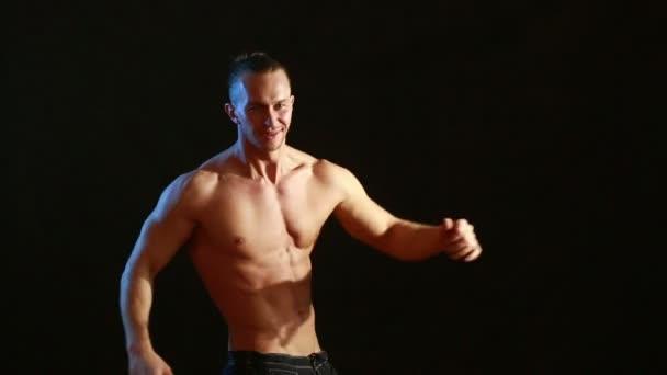 Голый мужской стриптиз видео фото 511-749