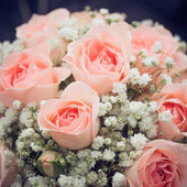 Wedding bouquet of pink roses — Stock Photo