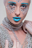Portrait of beautiful girl with diamonds — Stock Photo