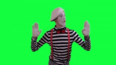 The mime is behind an invisible wall — Stock Video