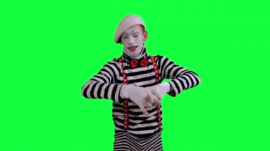 The mime uses an invisible camera — Stock Video