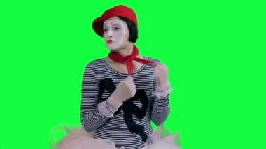 The mime girl cries hysterically — Stock Video