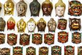Thai art Wooden masks for sale at market  — 图库照片