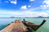 Traditional Thai boat, Long tail stand in the sea at Phuket, Tha — Stock Photo