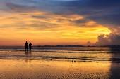Beautiful sunset at Railay beach — Stock Photo