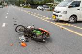 Van and crashed with motorcycle — 图库照片