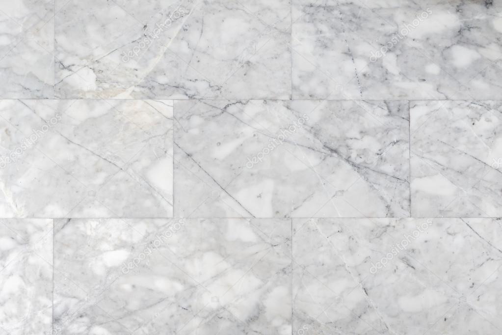 Piedra de m rmol gris de la pared en el cuarto de ba o for De donde viene el marmol