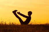 Woman practicing yoga,Yoga-Boat Pose — Stock Photo