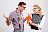 Woman give heart to boyfriend — Stock Photo