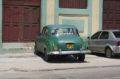 Typical old retro car on the street in Havana — Stock Photo
