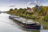 Freight ship on the Mittelland Canal in Hannover — Foto de Stock