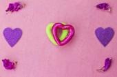 Coeurs verts et violets — Photo