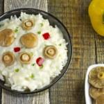 Saffron Milk Cap mushroom rice with white wine sauce — Stock Photo #74269685