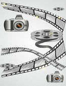 The camera and the curled film — Stock Vector