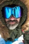 зимой человек очки — Стоковое фото