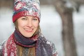 Happy winter vrouw portret — Stockfoto