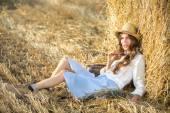 Woman in summer field — Stock Photo
