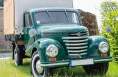 Old truck, classic car — Stock Photo
