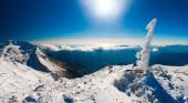 Montanha inverno dia — Fotografia Stock