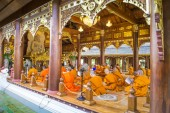 Monks Evening Chant in Wat Rampoeng temple — Stock Photo