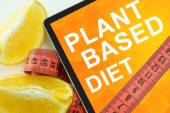 Plant based diet on tablet. — Foto de Stock