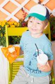 Молодой мало и милый мальчик — Стоковое фото