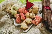 Festival dekorasyon ile Noel tatlılar — Stok fotoğraf