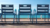 Chairs in front of the sea — Stock Photo