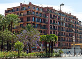 City of Nice - Architecture along Promenade des Anglais — Stock Photo