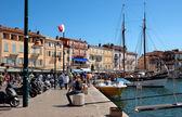 Saint Tropez - architectuur van de stad in de haven — Stockfoto