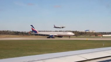 Traffico all'aeroporto internazionale. sheremetyevo, mosca — Video Stock