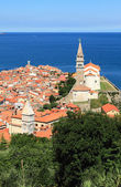 City, temple, sea. Piran, Slovenia — Stok fotoğraf