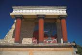 Building remains with columns. Knoss, Crete, Greece — Stock Photo