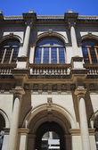 Facciata di Palazzo antico. Loggia veneziana. Iraklion, Grecia — Foto Stock