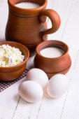 Eggs, cottage cheese and milk — Stock Photo