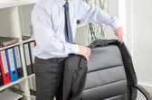 Businessman arriving at office — ストック写真