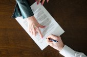 Signing of a contract — Stock Photo