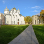 Novgorod Kremlin. St. Sophia Cathedral and the Church of the Entry into Jerusalem — Stock Photo #58514169