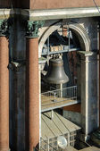 Bell in the span of the belfry of St. Isaac's Cathedral in St. Petersburg — Stock Photo