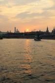 Vista do Kremlin de água ao pôr do sol — Fotografia Stock