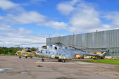 The Mil Mi-171Sh  helicopters of Algerian Air Force in Pulkovo airport in Saint-Petersburg, Russia — Stock Photo